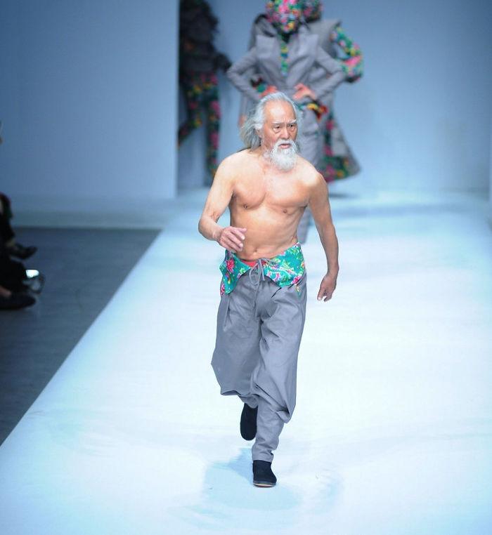 中国人おじいちゃんモデル